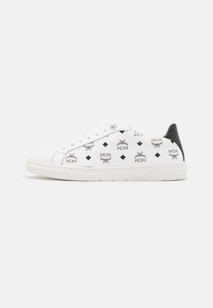 WOMENS TERRAIN LO SNEAKERS IN VISETOS  - Trainers - white