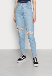 Levi's® - HIGH WAISTED MOM JEAN - Jeans Tapered Fit - light-blue - 0