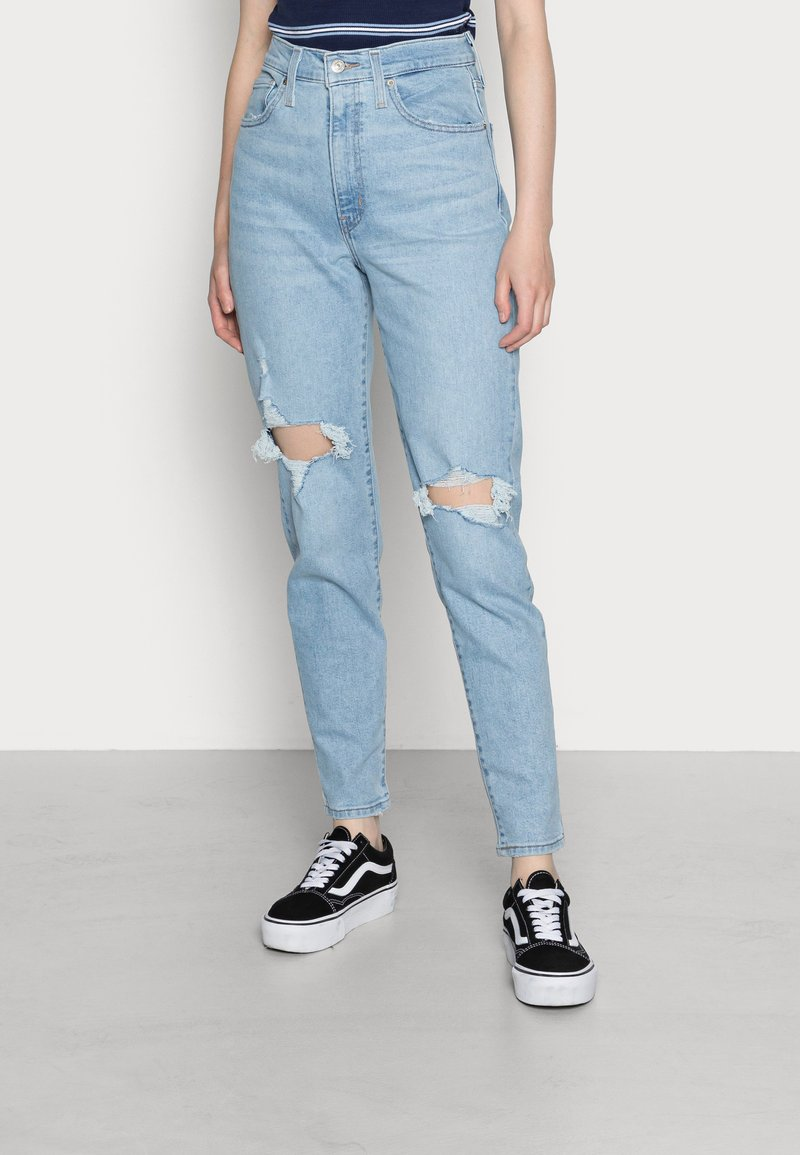 Levi's® - HIGH WAISTED MOM JEAN - Jeans Tapered Fit - light-blue