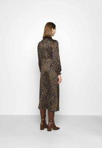 Vero Moda - VMSANDRA LILLIAN SHIRT DRESS  - Shirt dress - beech/sandra - 2