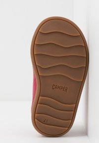 Camper - BRYN - Dětské boty - pink - 5