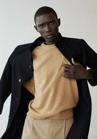 Mango - FUNNEL-I - Classic coat - schwarz - 4
