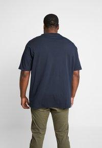 Tommy Hilfiger - CORP BOX LOGO TEE - Print T-shirt - blue - 2