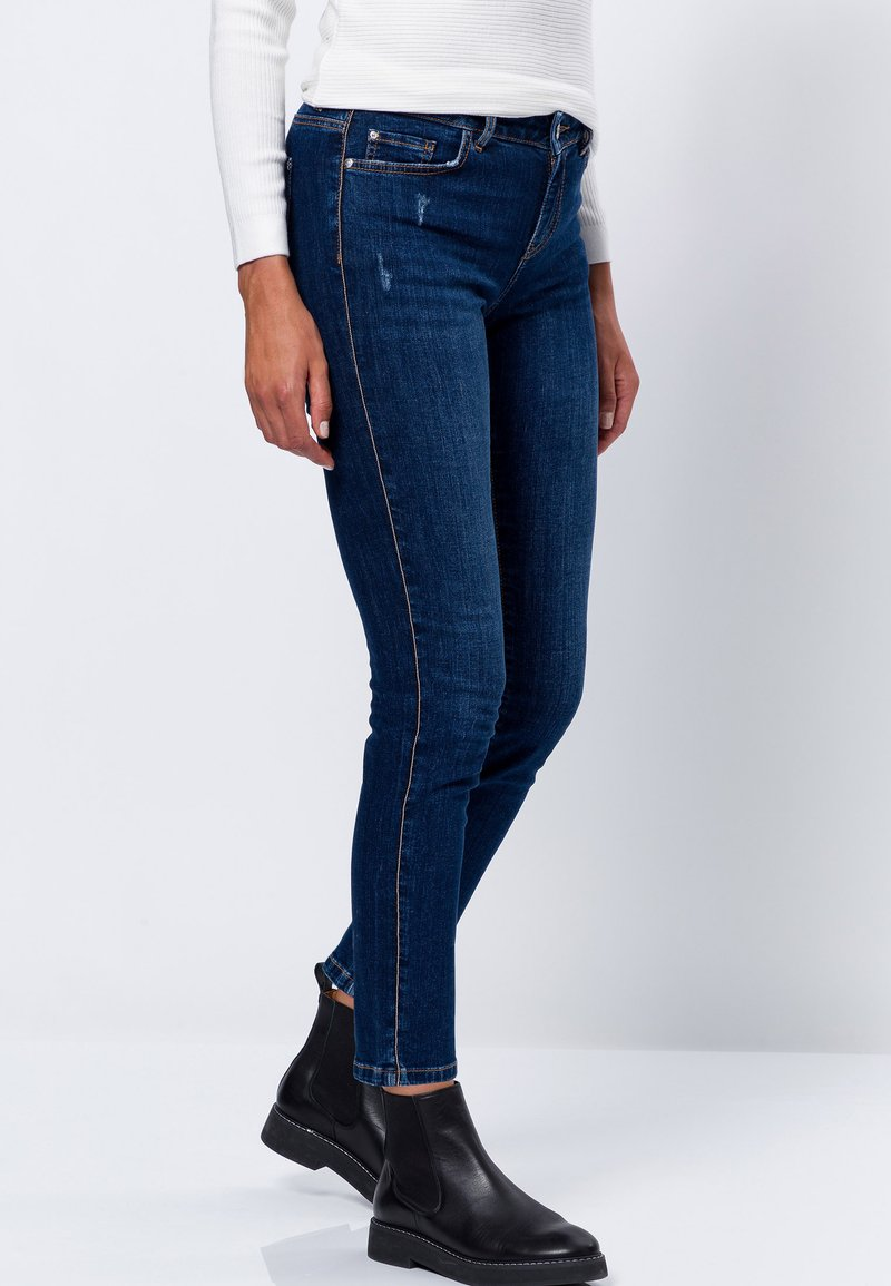 zero - SEATTLE - Slim fit jeans - mid blue used wash