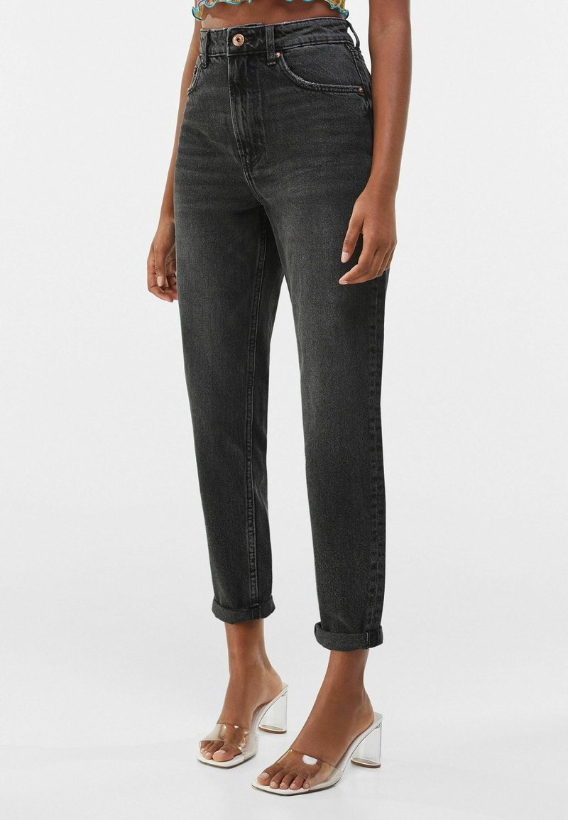 Bershka - MOM FIT - Relaxed fit jeans - dark grey