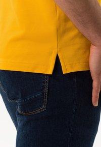 BRAX - STYLE PETE - Polo shirt - honey - 4
