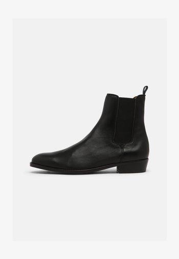 ELI  - Kotníkové boty - black