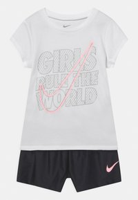 Nike Sportswear - PRACTICE PERFECT SET - Camiseta estampada - black - 0