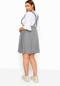 Yours Clothing - GINGHAM  - A-line skirt - black - 2