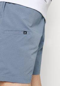 Nike SB - CHINO UNISEX - Shorts - ashen slate - 3