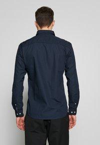 Jack & Jones - JETAPE DETAIL SLIM FIT - Košile - navy blazer - 2