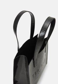 Ted Baker - REPTCON - Handbag - black - 2