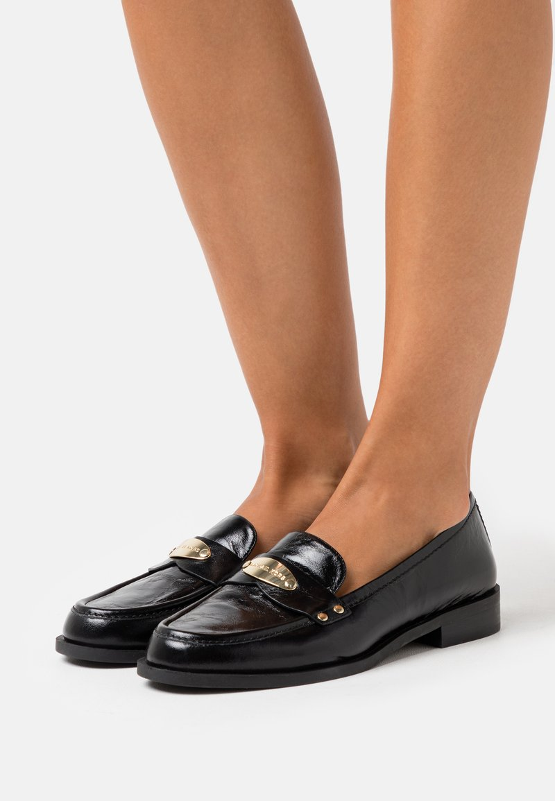 MICHAEL Michael Kors - FINLEY LOAFER - Instappers - black