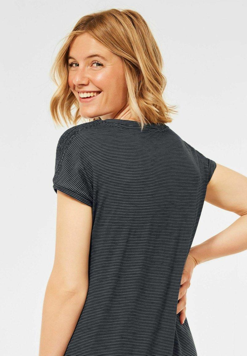 Cecil - MIT SMOK  - Print T-shirt - grau