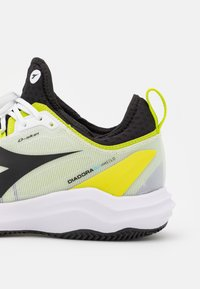 Diadora - SPEED BLUSHIELD FLY 3 + CLAY - Clay court tennis shoes - white/black/lime green - 5