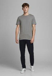 Jack & Jones - T-shirt basique - sedona sage - 1