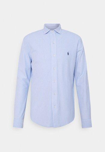 STRIPED KNIT OXFORD SHIRT - Shirt -  blue/white