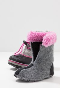 Sorel - CHILDRENS YOOT PAC - Winter boots - chrome grey/orchid - 6