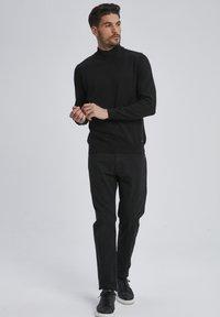 Auden Cavill - Trousers - schwarz - 1