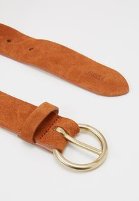 CLOSED - BELT - Pásek - dark pecan - 1