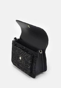 HVISK - BASEL POSY - Handbag - black - 2