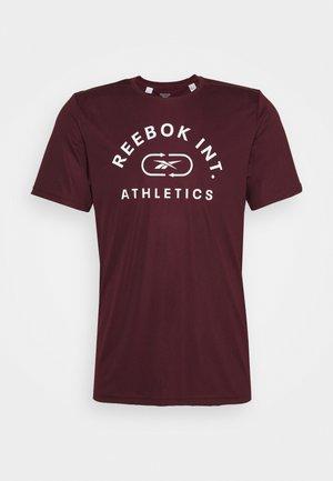 GRAPHIC TEE - Print T-shirt - maroon