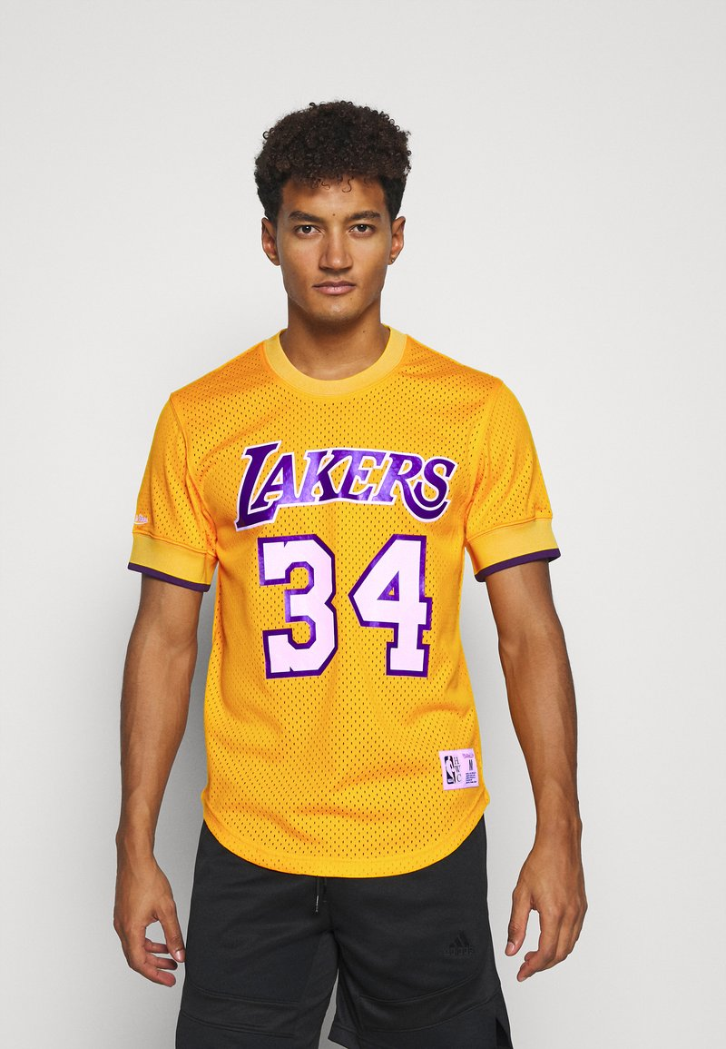 Mitchell & Ness - NBA LOS ANGELES LAKERS SHAQUILLE O'NEAL NAME NUMBER - Article de supporter - gold