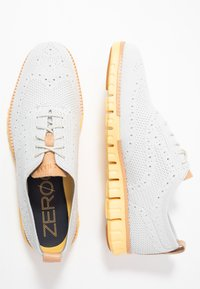 Cole Haan - ZEROGRAND STITCHLITE OXFORD - Chaussures à lacets - glacier gray/sunset gold - 1