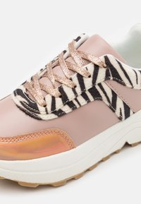Friboo - Trainers -  rose gold - 5