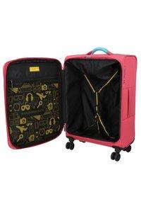 Mandarina Duck - BILBAO - Wheeled suitcase - hot pink - 4