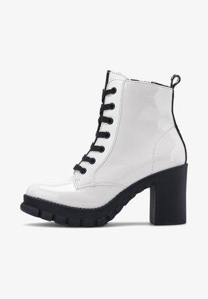 MAJESTY - Platform ankle boots - weiß