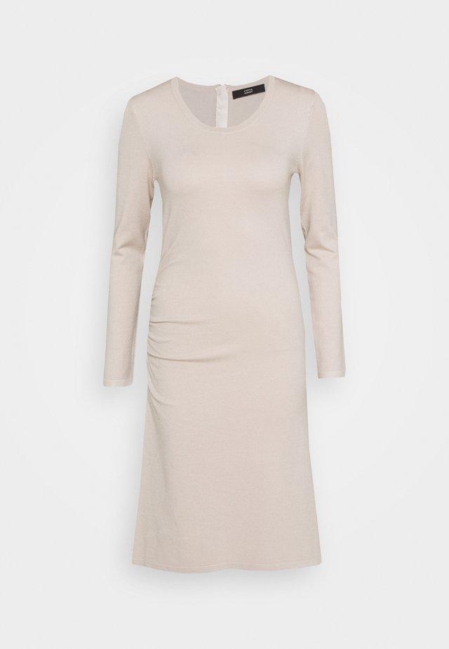 STRETCH DRESS SPECIAL - Strikkjoler - almond