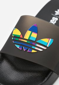 adidas Originals - ADILETTE LITE PRIDE - Pool slides - core black - 5
