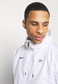 Nike Performance - PARIS ST GERMAIN - Club wear - white/old royal - 3