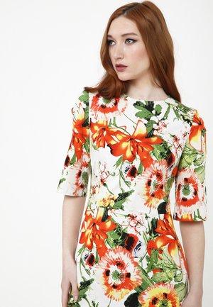 SANATA - Day dress - milchig, orange