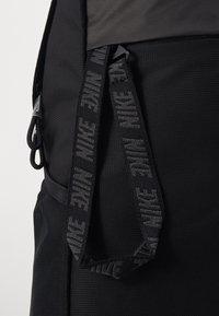 Nike Sportswear - ESSENTIALS UNISEX - Rucksack - black/dark smoke grey - 3