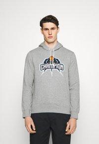 Champion - HOODED  - Sweatshirt - grey - 0