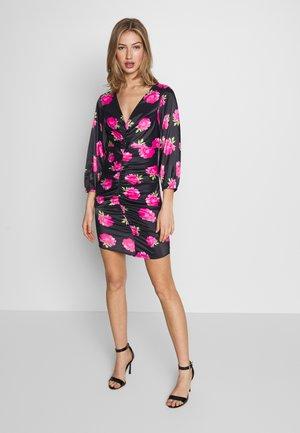 FLORALFRONT GATHERED DRESS - Pouzdrové šaty - black
