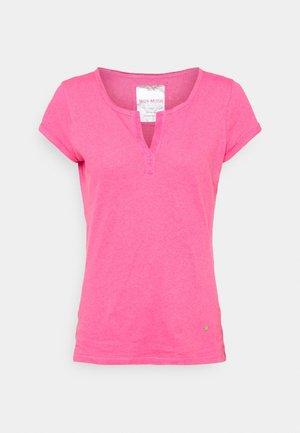 TROY TEE - Basic T-shirt - fandango pink