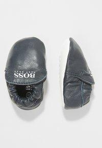 BOSS Kidswear - Krabbelschuh - marine - 0