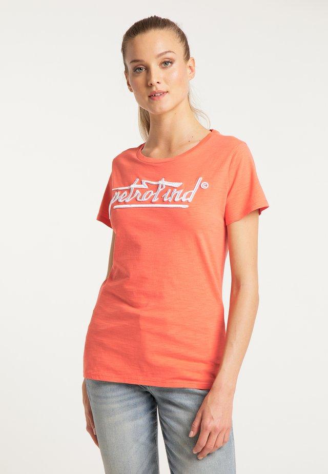 PETROL INDUSTRIES T-SHIRT - Printtipaita - orange