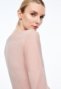 comma - MIT STRUKTURMUSTER - Sweatshirt - light pink - 4