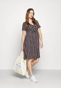 Queen Mum - DRESS NURS ORLANDO - Korte jurk - black - 1