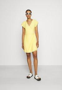 Vero Moda - VMLEAH SHORT DRESS - Day dress - cornsilk - 1