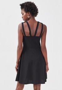 Cache Cache - Cocktail dress / Party dress - noir - 2