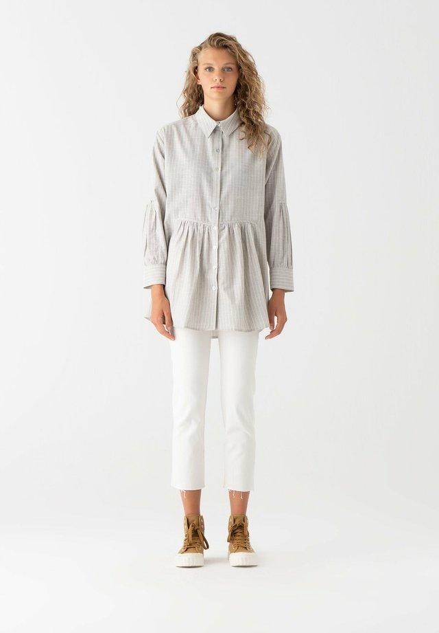 Button-down blouse - gray