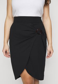 Simply Be - WRAP MIDI SKIRT WITH BUCKLE DETAIL - Pouzdrová sukně - black - 4