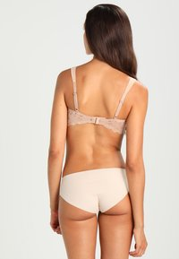 Triumph - ESSENTIAL MINIMIZ - Shapewear - smooth skin - 2