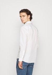 Jack & Jones - JETHOMAS - Shirt - white - 2
