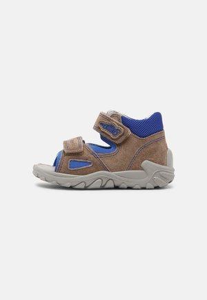 Sandals - beige/blau